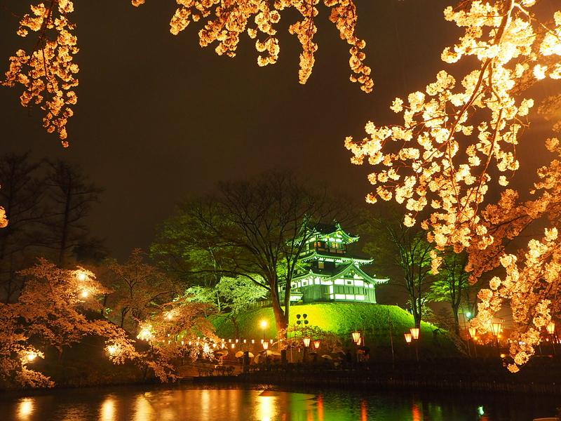夜桜と三重櫓[高田城]