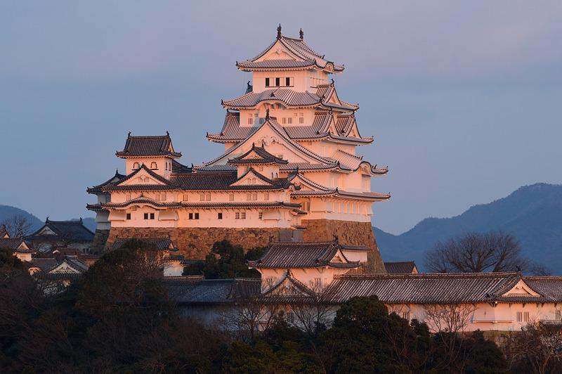 夕暮れ時の姫路城