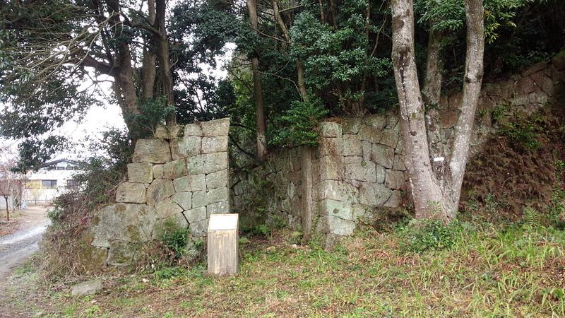 塚崎城 石門①