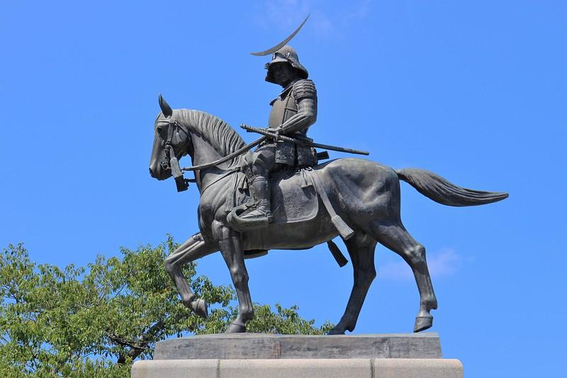 伊達政宗騎馬像(北側)