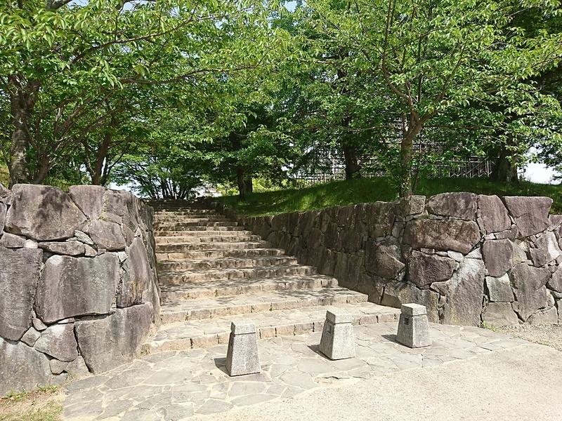 公園(城跡)入口