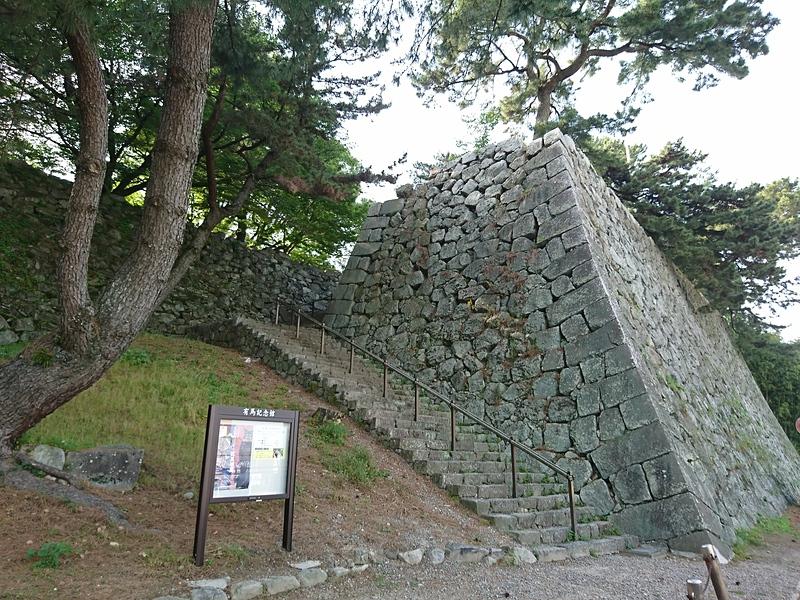 月見櫓の石垣