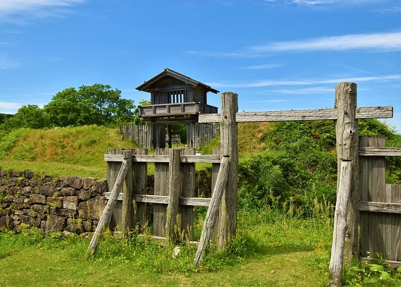 冠木門と本丸門
