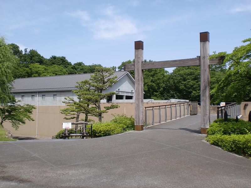 冠木門と鉢形城歴史館