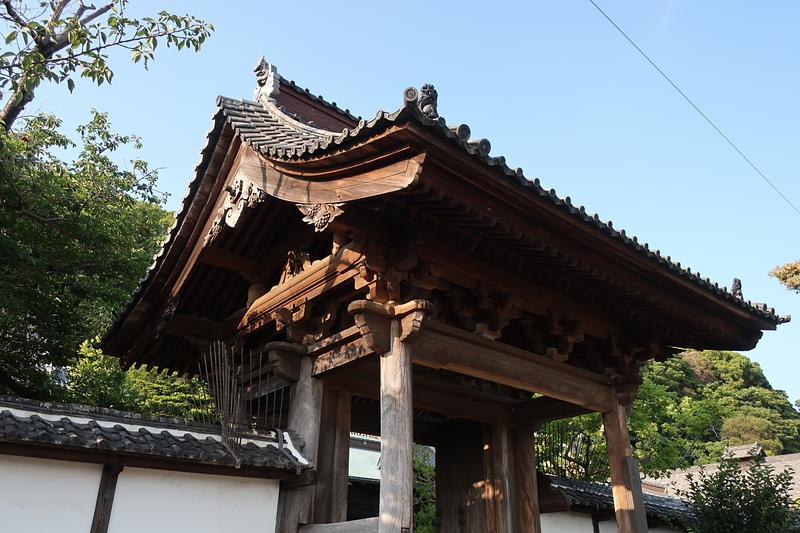 清見寺の門