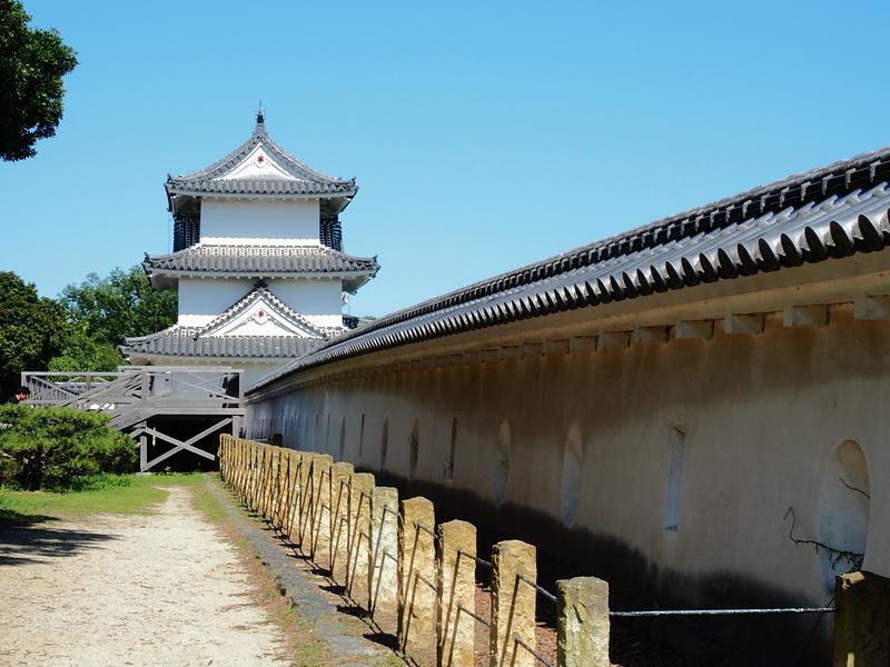 巽櫓と土塀