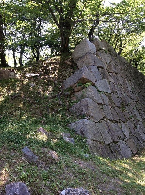 福島正則が取り壊したといわれる石垣