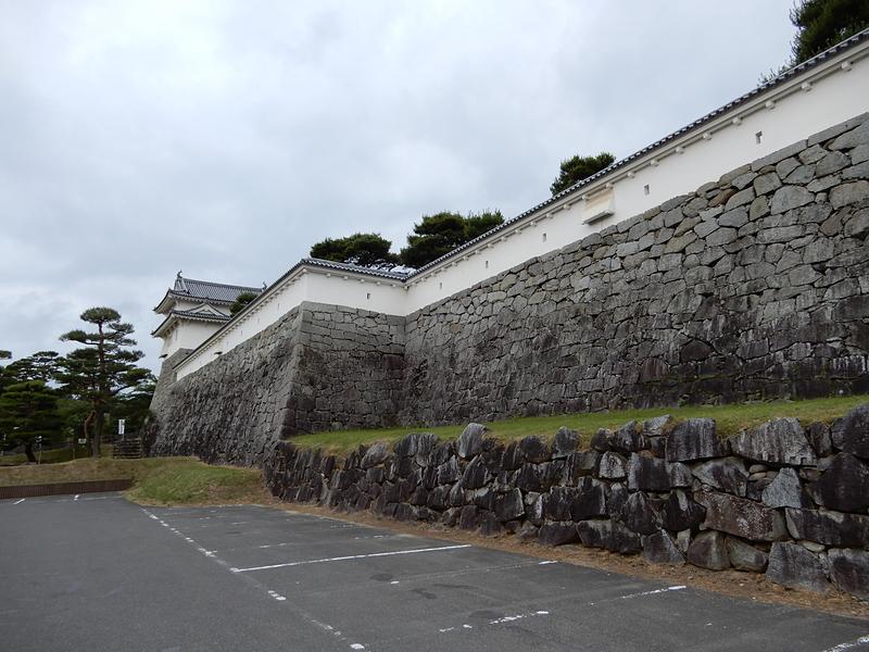 山下部の石垣