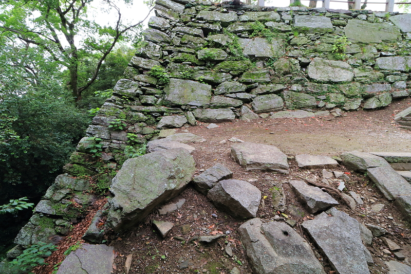 馬具櫓跡石垣 北への稜線