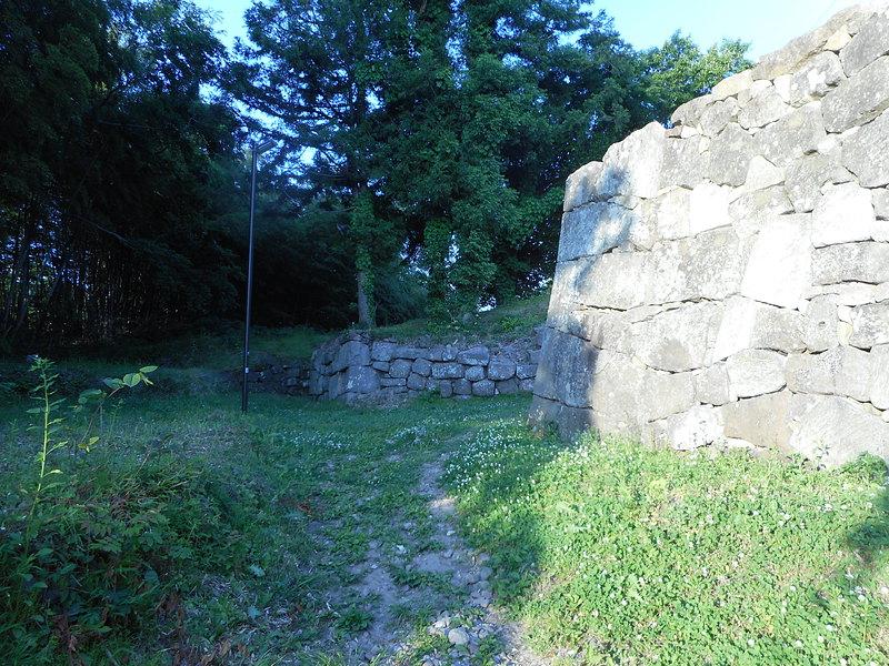 尾廻門桝形