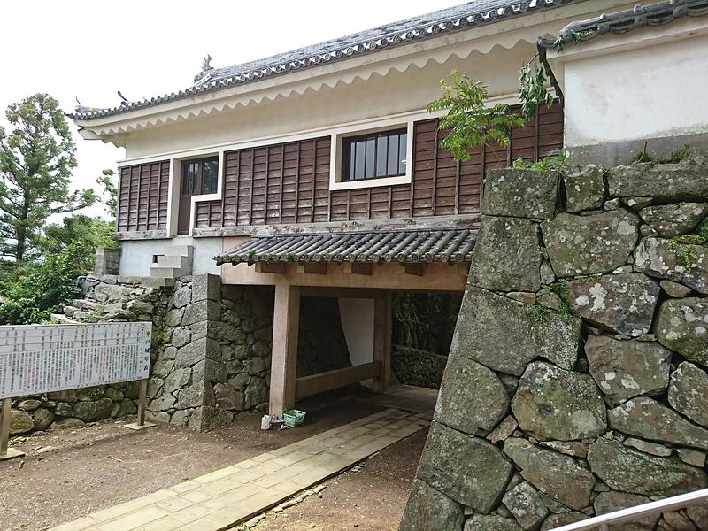本丸二の門(桝形)