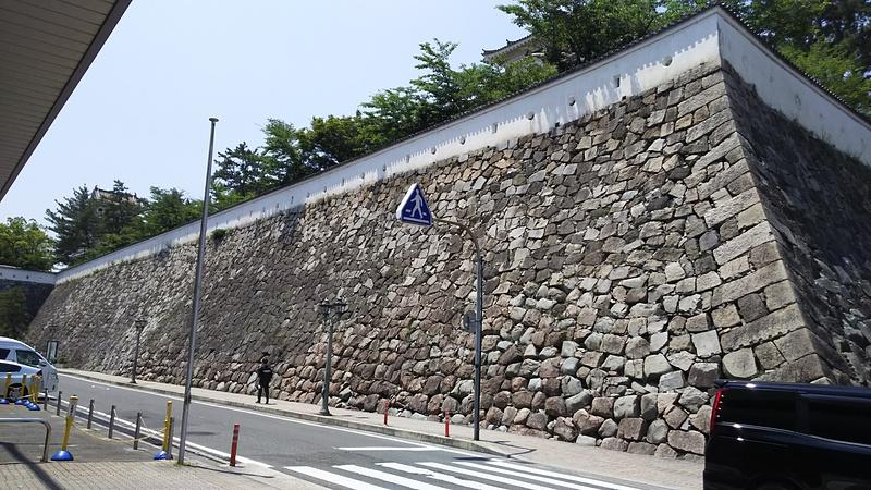 なかなかな石垣
