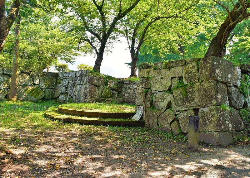 鉄門跡石垣
