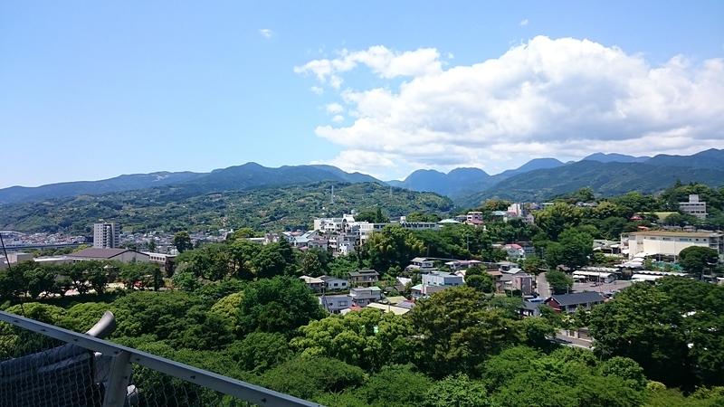 天守閣から見た石垣山