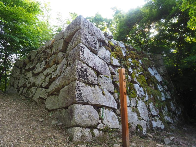 西櫓門石垣