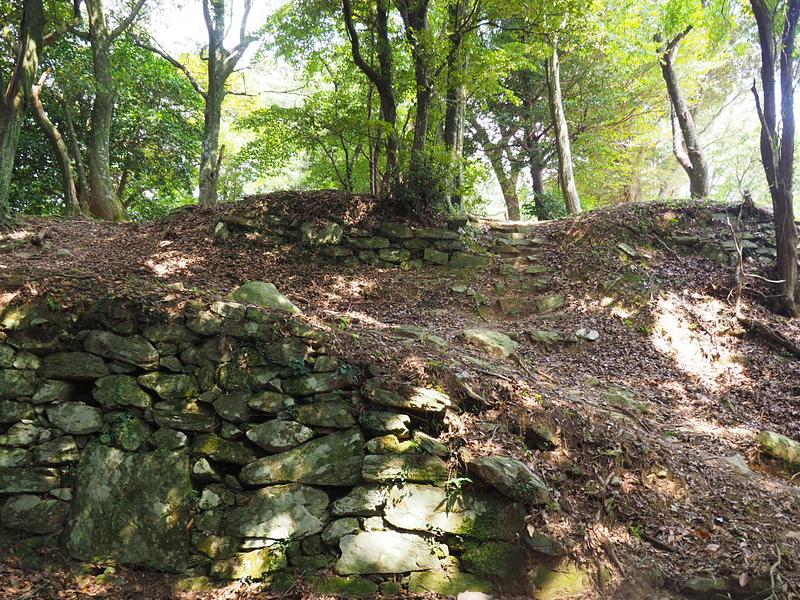 主郭南側の石垣①