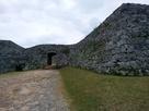座喜味城二の曲輪の石垣…