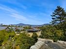 天守台か見た本丸御殿、東山の風景…