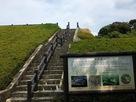 天守台への階段…