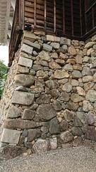 天守の転用石の石垣垣…