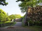 本丸と二の丸の石垣…