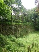 神社近くの石垣…