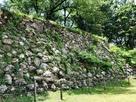 加納城 本丸石垣(北側)…