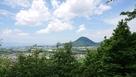 頂上から見た近江富士です。…