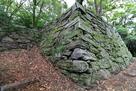 帳櫓(とばりやぐら)跡石垣を、北西から…