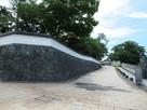 城壁風な小学校の塀…