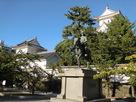 戸田氏鉄公銅像…
