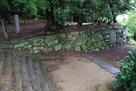 西二の丸跡石垣を、帳櫓跡付近から…