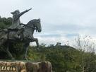 尼子経久公像と月山富田城…