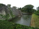 竹之丸下の堀と石垣