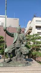 柴田勝家公銅像