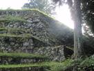 六段壁と築城当時の本丸石垣…