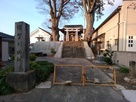 二階堂神社の脇にある須賀川城の城址碑…