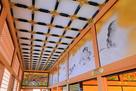 本丸御殿 廊下、上部の装飾を広角で…