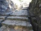 大手門奥の石畳・排水路…