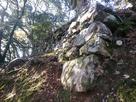 後瀬山城の本丸下の石垣…