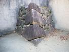 発掘された表書院の石垣…
