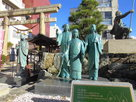 浅井三姉妹の像