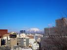 本丸から望む岩手山と盛岡の街並み…