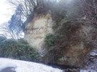 飯羽間川側の断崖…