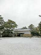 筋鉄御門の雪景色…