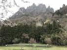 岩櫃山と潜龍院跡…