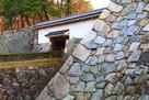 天守台と不明門付近の石垣…