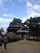 秋晴れの松江城…