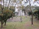 野面積み石垣と帯曲輪石垣…