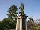 前田利常公銅像…